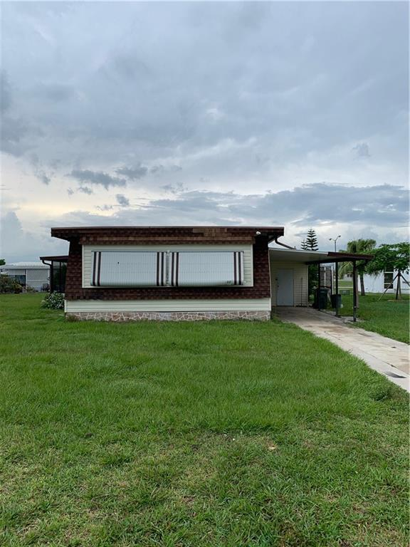 808 Beech Court, Barefoot Bay, FL 32976 (MLS #222444) :: Billero & Billero Properties