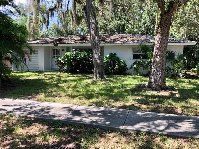 735 Camelia Lane, Vero Beach, FL 32963 (MLS #224620) :: Billero & Billero Properties