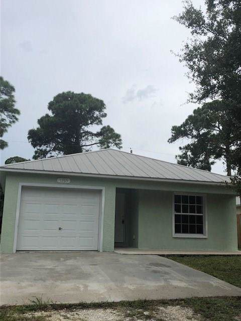 1265 15th Avenue SW, Vero Beach, FL 32962 (MLS #226574) :: The Nolan Group of RE/MAX Associated Realty