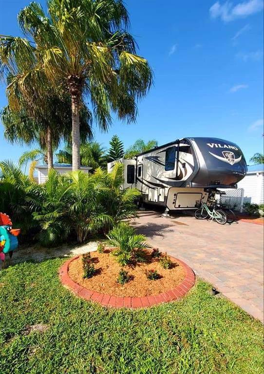 3813 6th Glen SW #151, Okeechobee, FL 34974 (MLS #229220) :: Team Provancher | Dale Sorensen Real Estate