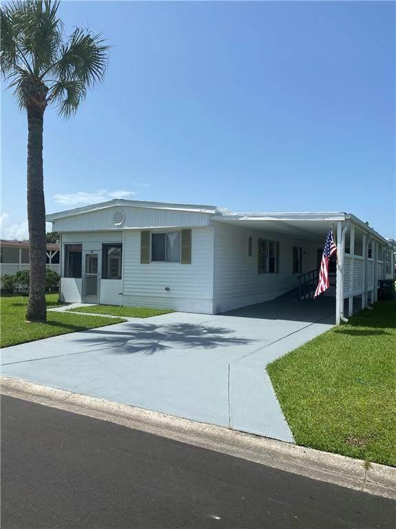 912 Pecan Circle, Barefoot Bay, FL 32976 (MLS #234603) :: Team Provancher | Dale Sorensen Real Estate