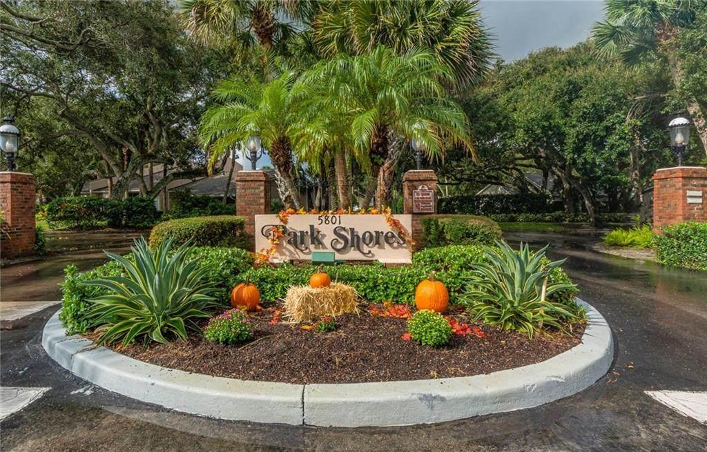 133 Park Shores Circle - Photo 1