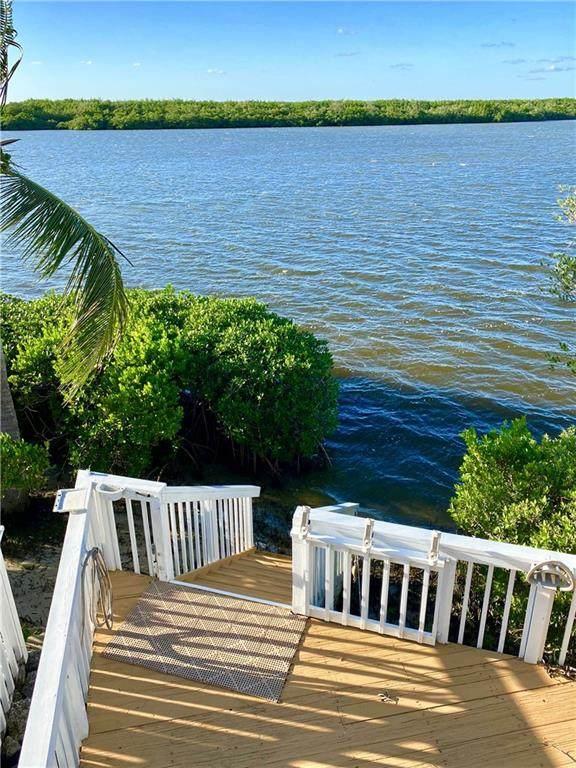 2408 Harbour Cove Drive, Hutchinson Island, FL 34949 (MLS #240018) :: Billero & Billero Properties