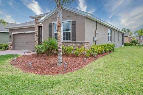 740 Remington Green Drive, Palm Bay, FL 32909 (MLS #240320) :: Team Provancher | Dale Sorensen Real Estate