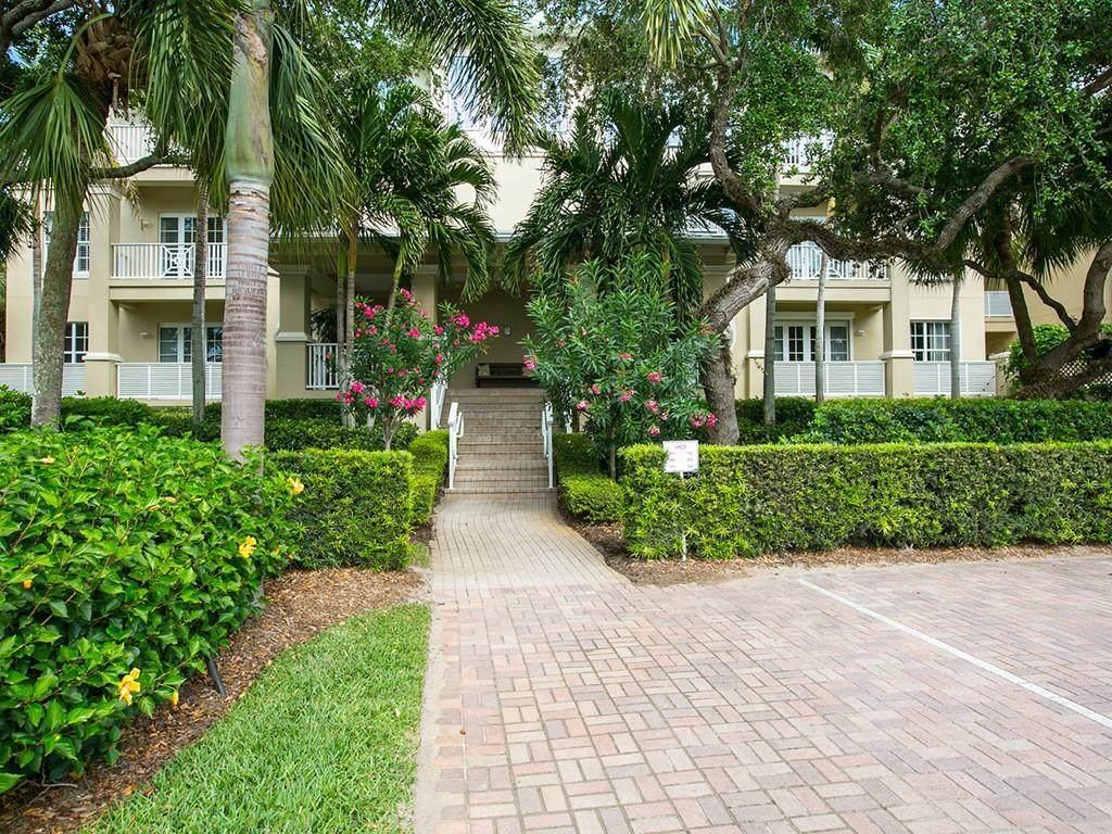 104 Island Plantation Terrace - Photo 1