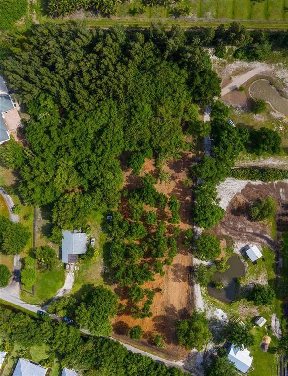 2670 Quay Dock Road, Vero Beach, FL 32967 (MLS #242755) :: Team Provancher | Dale Sorensen Real Estate