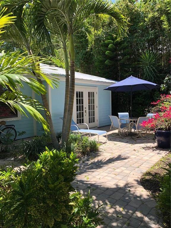 1075 Morningside Drive, Vero Beach, FL 32963 (MLS #243617) :: Team Provancher | Dale Sorensen Real Estate
