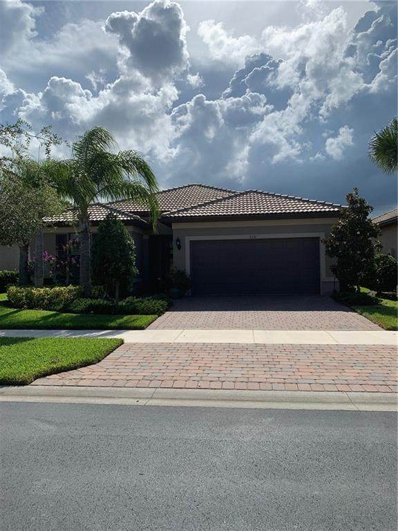 5351 Antigua Circle, Vero Beach, FL 32967 (MLS #245748) :: Dale Sorensen Real Estate