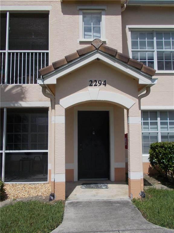 2294 57th Circle #2294, Vero Beach, FL 32966 (MLS #246591) :: Kelly Fischer Team