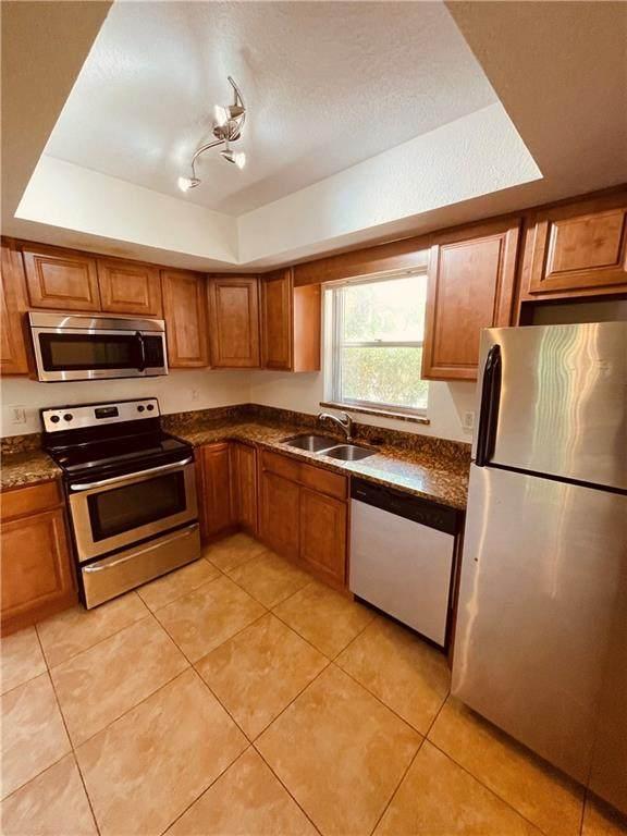 4141 16th St 305 3-05, Vero Beach, FL 32960 (MLS #246614) :: Dale Sorensen Real Estate