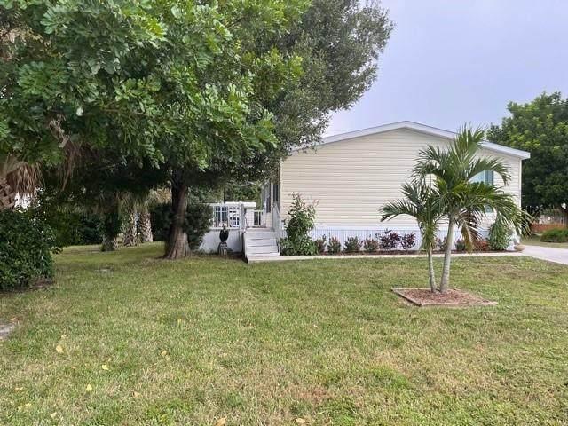 323 Tangelo Street, Sebastian, FL 32958 (MLS #247243) :: Dale Sorensen Real Estate