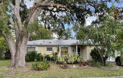 2310 4th Street, Vero Beach, FL 32962 (MLS #247437) :: Dale Sorensen Real Estate