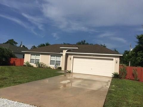8646 103rd Court, Vero Beach, FL 32967 (MLS #207356) :: Billero & Billero Properties