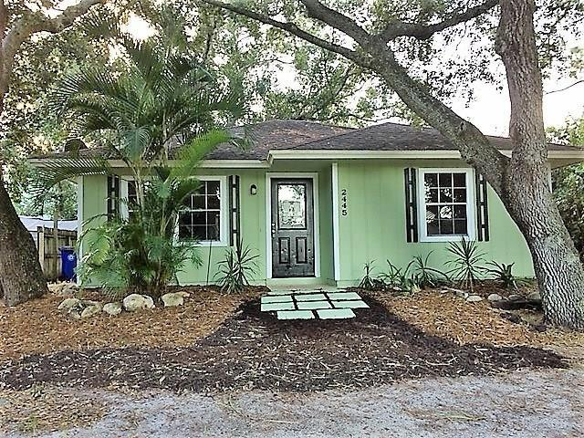 2445 87th Avenue, Vero Beach, FL 32966 (#210271) :: The Reynolds Team/Treasure Coast Sotheby's International Realty
