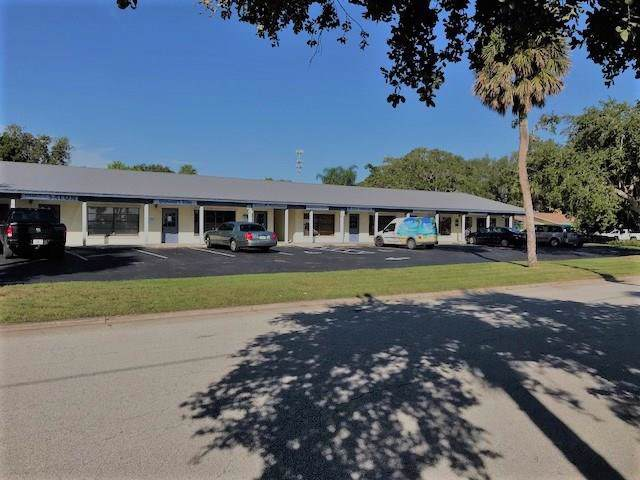 1327 Central Av, Sebastian, FL 32958 (MLS #225695) :: Team Provancher | Dale Sorensen Real Estate