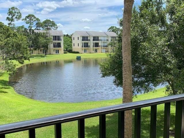 1655 42nd Square #104, Vero Beach, FL 32960 (MLS #233950) :: Team Provancher | Dale Sorensen Real Estate