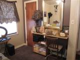 320 Whittier Place - Photo 15