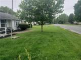 802 Woodlawn Drive - Photo 2