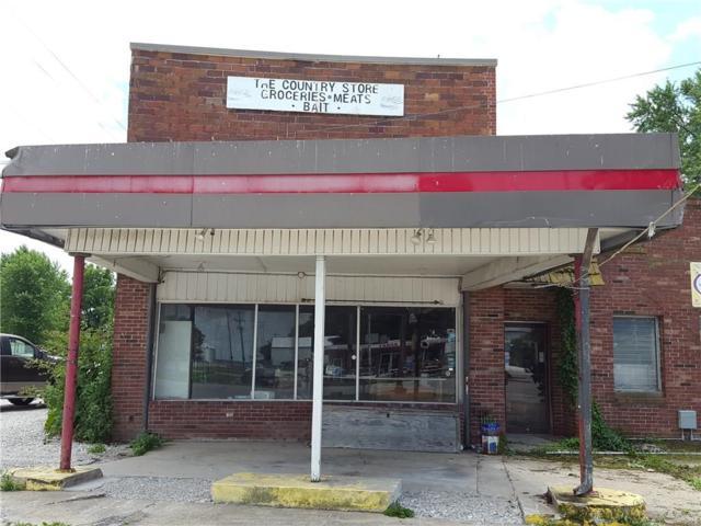 6987 E Us Hwy 36, Rockville, IN 47872 (MLS #21482025) :: FC Tucker Company
