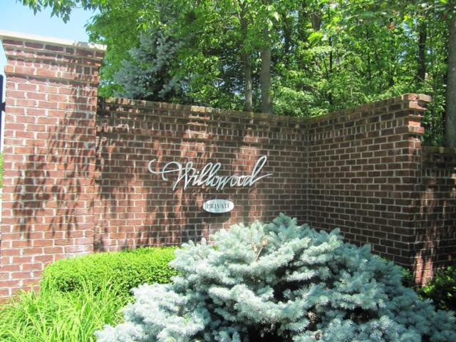 9115 Willowrun Drive, Indianapolis, IN 46260 (MLS #21484314) :: Indy Plus Realty Group- Keller Williams