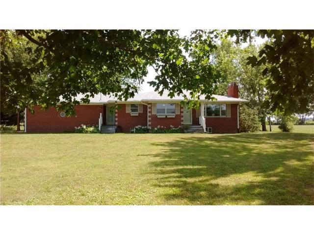 1245 E County Road 200 S, Clayton, IN 46118 (MLS #21506169) :: Indy Plus Realty Group- Keller Williams