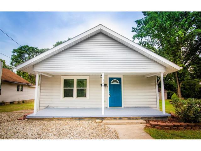 220 N Water Street, Chesterfield, IN 46017 (MLS #21512071) :: The ORR Home Selling Team