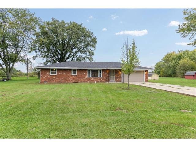5220 Inza Court, Anderson, IN 46011 (MLS #21517042) :: The Evelo Team