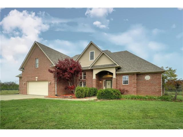 1582 N Manchester Drive, Greenfield, IN 46140 (MLS #21525112) :: Indy Plus Realty Group- Keller Williams