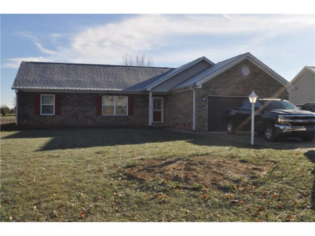 1105 S Teresa Drive, Martinsville, IN 46151 (MLS #21527801) :: Mike Price Realty Team - RE/MAX Centerstone