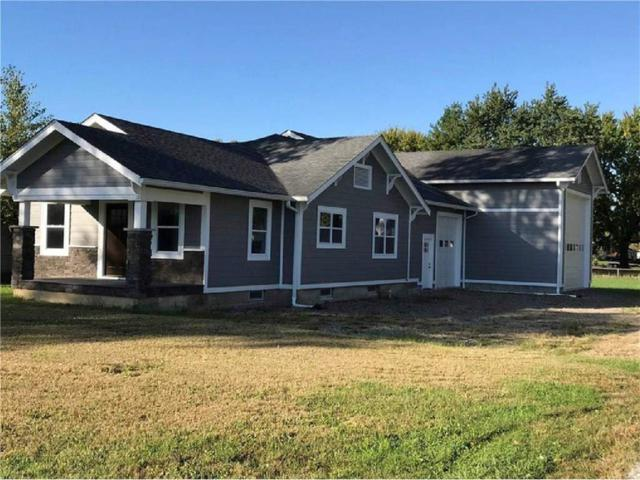 649 Parker Street, Whiteland, IN 46184 (MLS #21541282) :: Indy Scene Real Estate Team