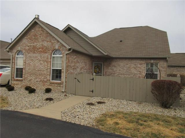 2305 Steeple Chase, Shelbyville, IN 46176 (MLS #21544459) :: The Evelo Team