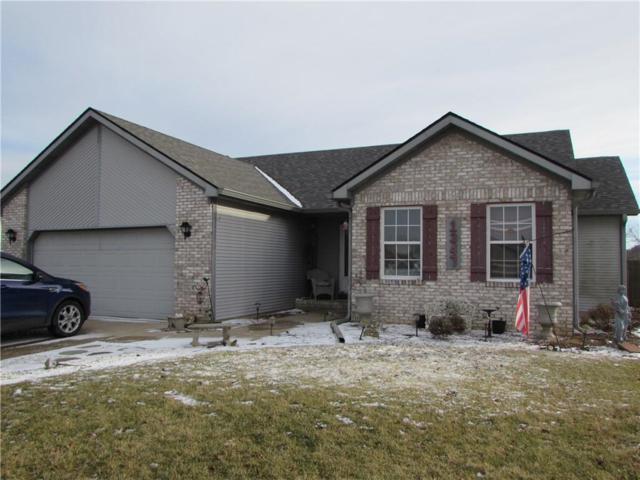 1347 Pin Oak Court, Martinsville, IN 46151 (MLS #21544868) :: Indy Scene Real Estate Team