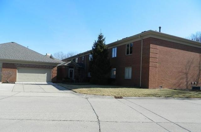 6451 N Meridian Parkway D, Indianapolis, IN 46220 (MLS #21547200) :: The ORR Home Selling Team