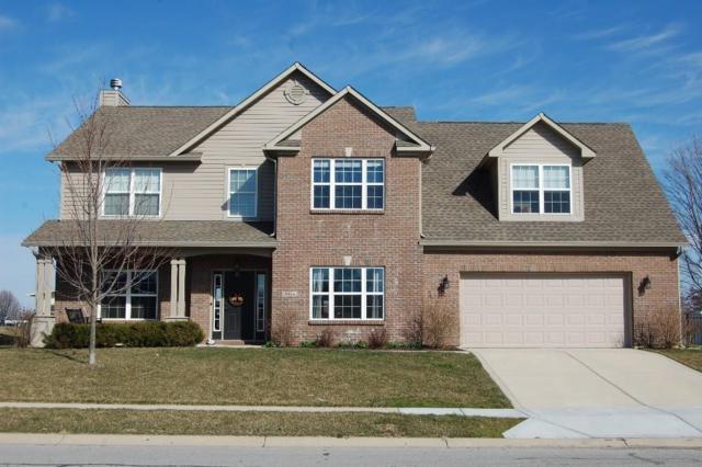 2135 Woodfield Drive, Greenwood, IN 46143 (MLS #21552027) :: FC Tucker Company