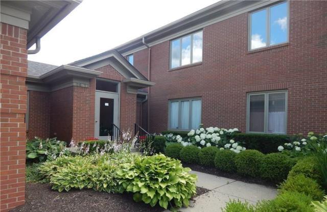 6451 N Meridian Parkway D, Indianapolis, IN 46220 (MLS #21556571) :: Indy Scene Real Estate Team