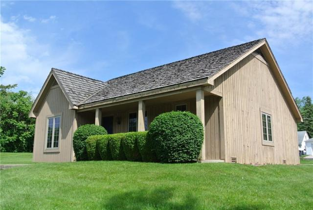 1424 E 8th Street, Anderson, IN 46012 (MLS #21571773) :: The Evelo Team
