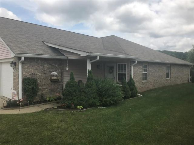 955 Plaza Drive, Martinsville, IN 46151 (MLS #21573360) :: The Evelo Team