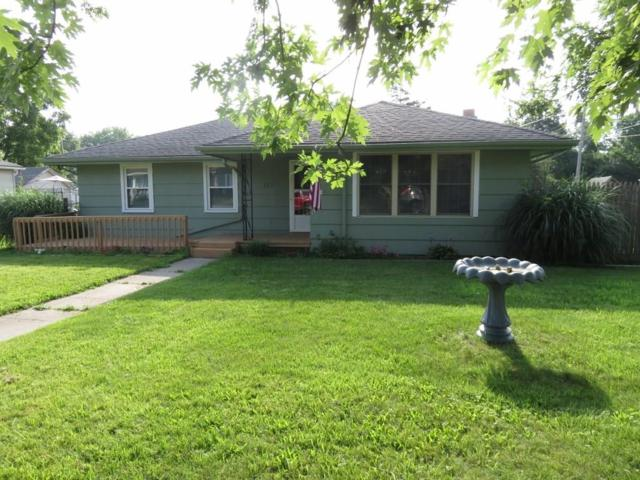 131 N Market Street, Parker City, IN 47368 (MLS #21578835) :: The ORR Home Selling Team