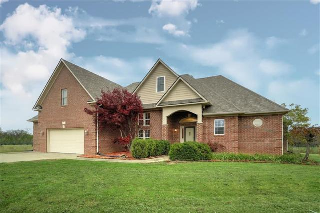 1582 N Manchester Drive, Greenfield, IN 46140 (MLS #21582653) :: FC Tucker Company