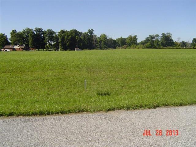 8463 Black Oak Drive, Martinsville, IN 46151 (MLS #21586280) :: FC Tucker Company