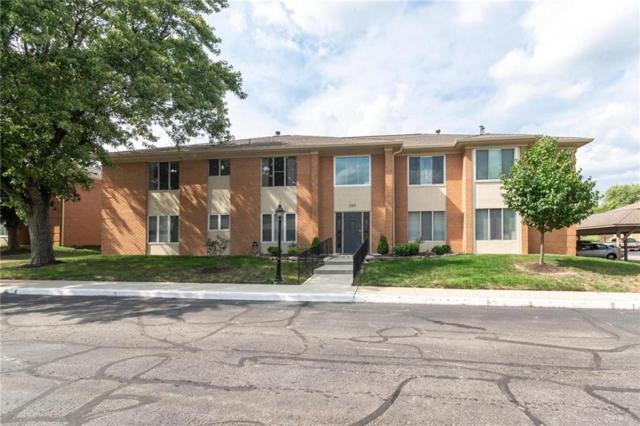 398 Hunters Lane Unit C, Carmel, IN 46032 (MLS #21586481) :: Mike Price Realty Team - RE/MAX Centerstone