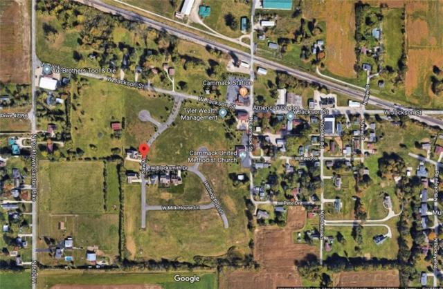 32 Hitching Post Lane, Muncie, IN 47304 (MLS #21589012) :: AR/haus Group Realty