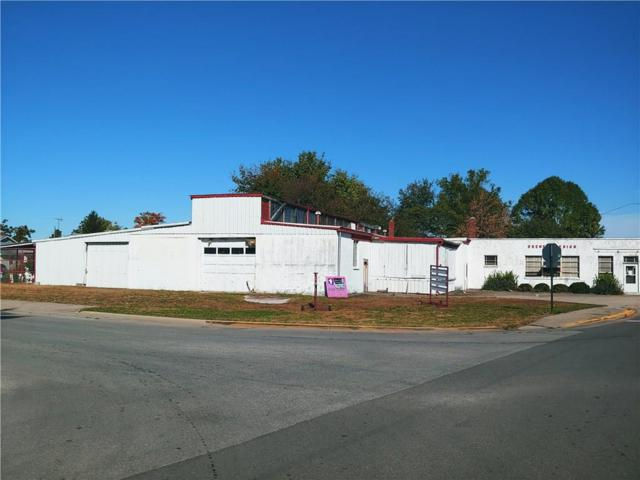 1237 Jefferson Avenue, Shelbyville, IN 46176 (MLS #21598460) :: AR/haus Group Realty
