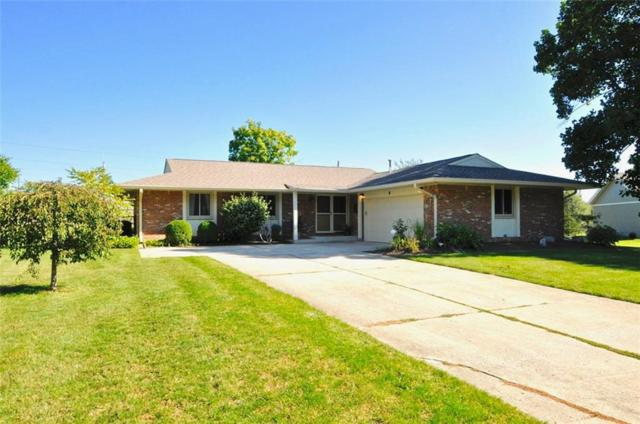 40 Village Court, Zionsville, IN 46077 (MLS #21603245) :: FC Tucker Company