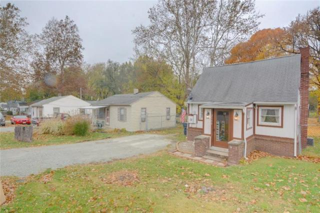 2100 E 38th Street, Anderson, IN 46013 (MLS #21607093) :: The ORR Home Selling Team