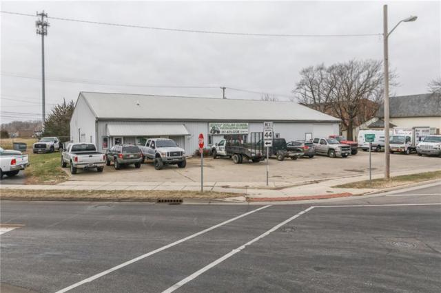 815 Montgomery Street, Shelbyville, IN 46176 (MLS #21610875) :: The Star Team | RE/MAX Realty Group