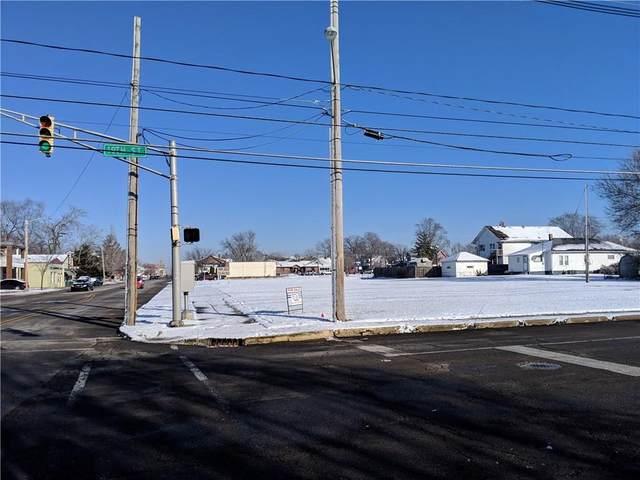 1742 Meridian Street, Anderson, IN 46016 (MLS #21610900) :: The ORR Home Selling Team