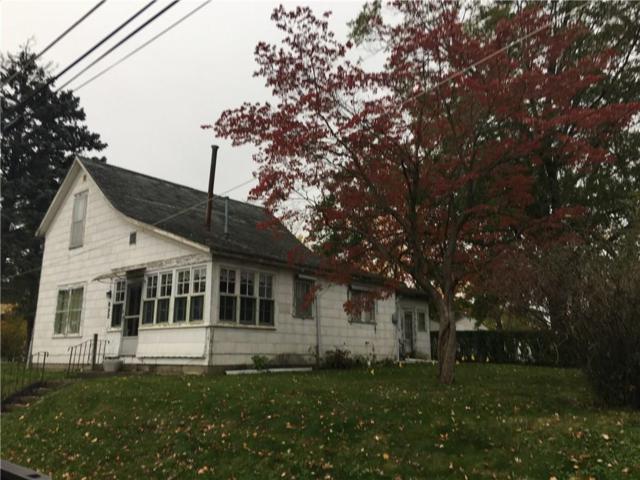 822 E Elm Street, Hartford City, IN 47348 (MLS #21614173) :: The ORR Home Selling Team