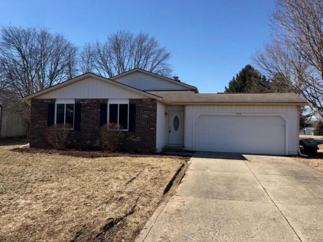 500 Brentwood Drive E, Plainfield, IN 46168 (MLS #21617663) :: Urhome Group