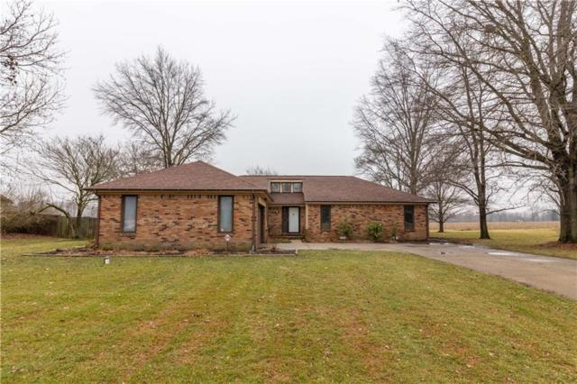1319 Fox Trail Drive W, New Palestine, IN 46163 (MLS #21617987) :: The Indy Property Source
